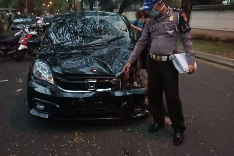 Kecelakaan di Jalan Kalimantan perumahan Lippo Karawaci Kota Tangerang akibat main ponsel saat berkendara, Minggu (29/3/2020?