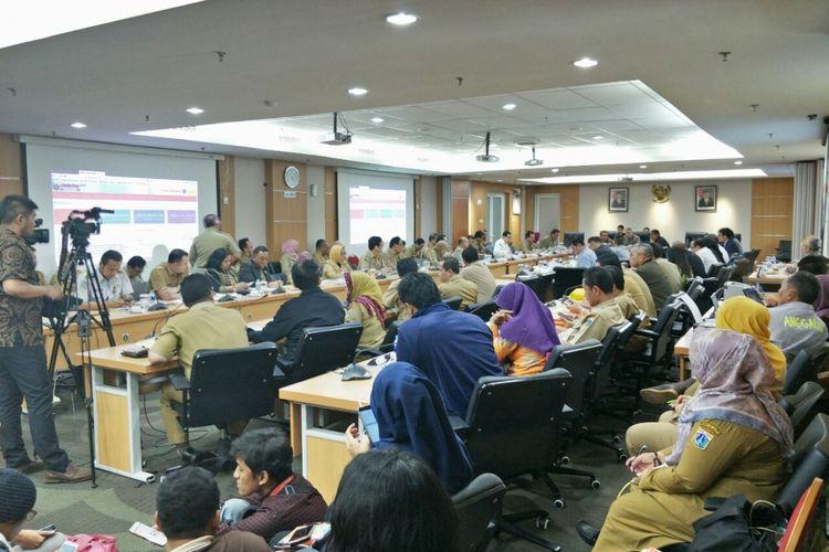 Suasana rapat banggar di Gedung DPRD DKI Jakarta, Jalan Kebon Sirih, Selasa (28/11/2017).