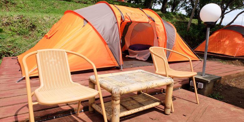 Tend yang disewakan di Bukit Asah di Desa Bug Bug, Karangasem, Bali.