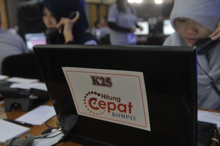 Suasana hitung cepat yang dilakukan Litbang Kompas di Jakarta untuk mengetahui perolehan suara masing-masing kandidat dalam Pemilihan Presiden 2014, Rabu (9/7/2014)