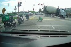 Video Viral Driver Ojol dan Pengendara Motor Punguti Paku Berserakan di Jalan