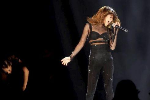 Selena Gomez Mencuri Perhatian