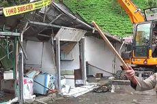 Imbas Kerumunan Wisatawan di Puncak Bogor, Puluhan Lapak PKL Dibongkar