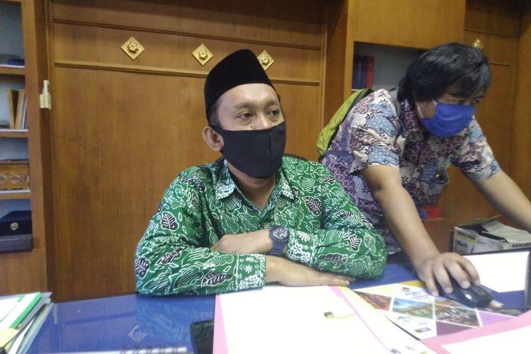 Ketua DPRD Jember Itqon  Syauqi  saat berada di ruangannya