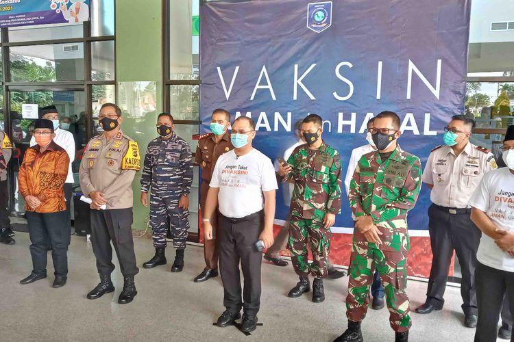 Pimpinan daerah Bangka Belitung usai vaksinasi di RSUD Soekarno, Jumat (15/1/2021).