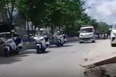 Ketika Mobil Rombongan Presiden Jokowi Beri Jalan buat Ambulans