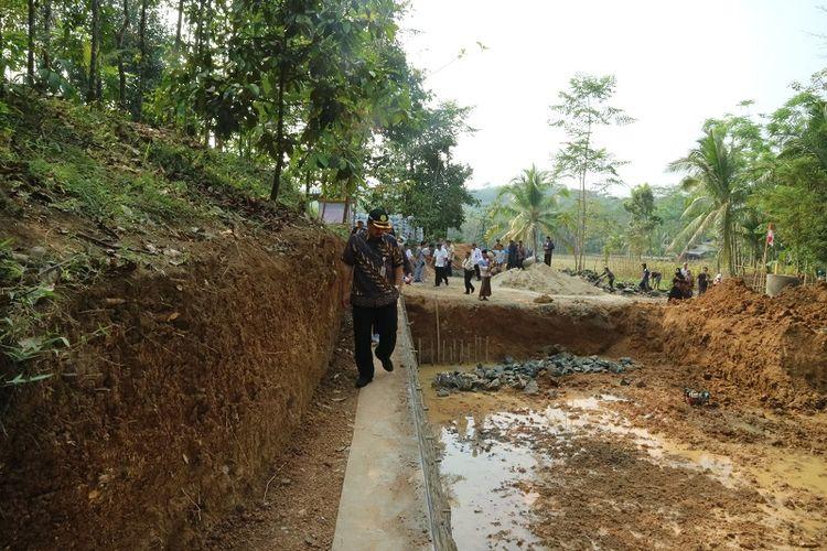 Berdasarkan data di Posko Kekeringan Dinas Pertanian Kabupaten Lebak tercatat seluas 2.247 ha lahan mengalami kekeringan.