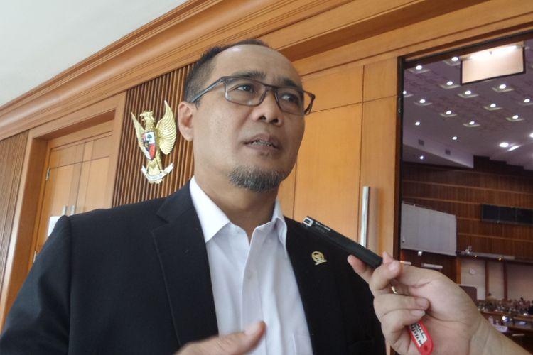 Sekretaris Fraksi Psrtai Hanura di DPR, Dadang Rusdiana di Kompleks Parlemen, Senayan, Jakarta, Kamis (6/7/2017).