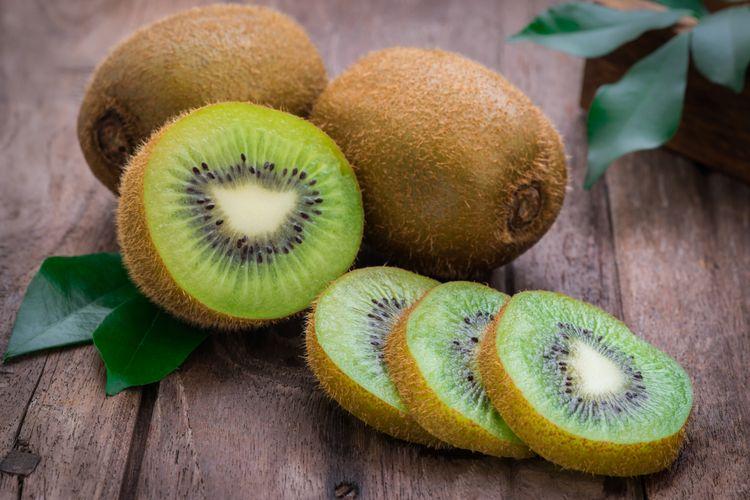 Makan Buah Kiwi Efektif Atasi Sembelit, Sudah Tahu?