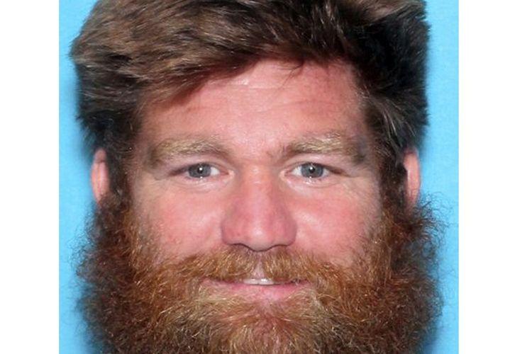 Sebuah foto yang disediakan oleh Kansas Bureau of Investigation menunjukkan Donny Jackson. Jackson didakwa melakukan pembunuhan sadis terhadap kedua putranya dan membawa kedua putrinya dari rumah mereka.
