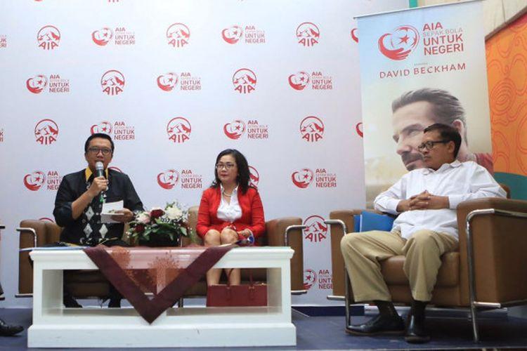 Menpora Imam Nahrawi bersama perwakilan AIA Indonesia di sesi jumpa pers di Kantor Kemenpora, Kamis (22/3/2018).