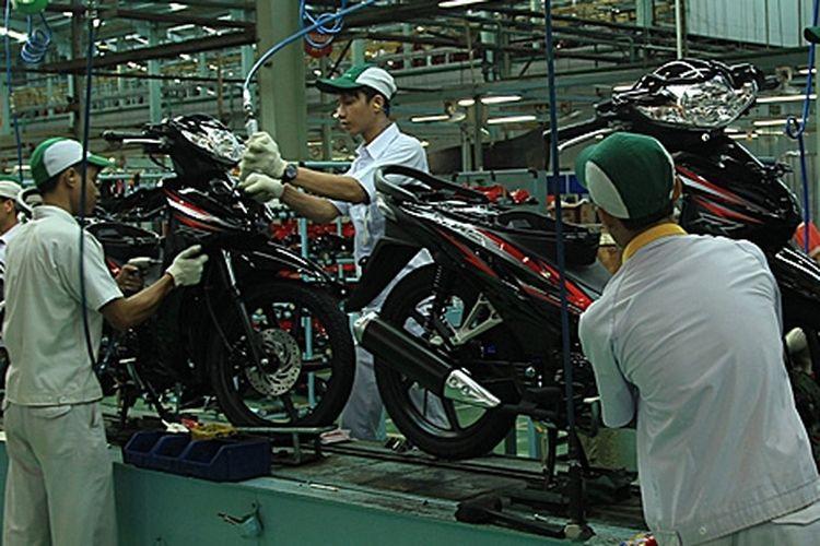 Kenaikan DP Syariah kembali memukul industri sepeda motor nasional.