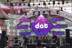 Penuh Canda Penampilan D.o.t di Panggung The 90's Festival