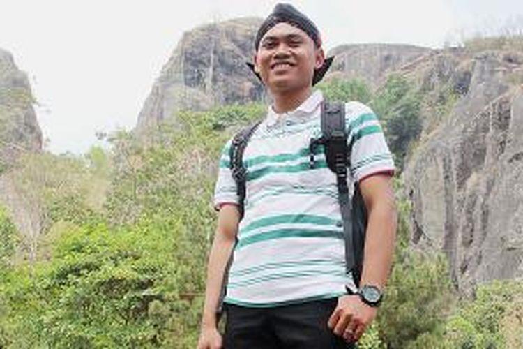 Sugeng Handoko, menggerakkan warga untuk mengembangkan pariwisata di Gunung Api Purba Nglanggeran, Kabupaten Gunung Kidul, Daerah Istimewa Yogyakarta.