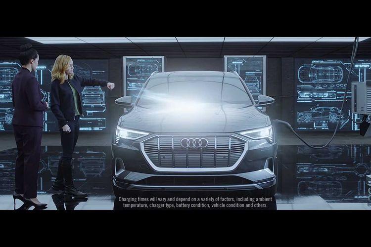 Captain Marvel bersama Audi E-Tron