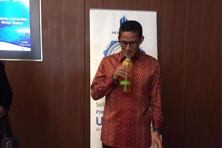 Wakil Gubernur terpilih DKI Jakarta Sandiaga Uno saat menghadiri wisuda Universitas Mercubuana di Indonesia Convention Exhibition (ICE), Kota Tangerang Selatan, Rabu (26/7/2017) siang.