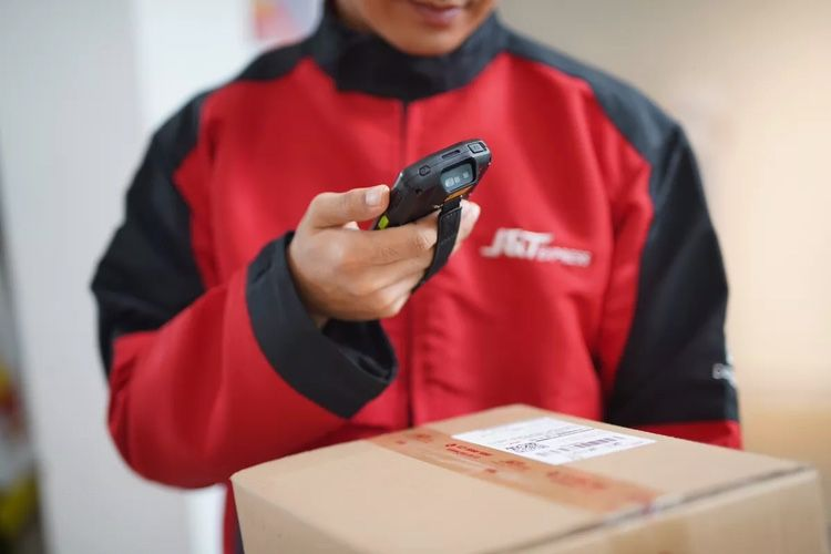 Layanan J&T Super memiliki beberapa keunggulan. Salah satunya, jaminan perlindungan paket atau garansi tanpa biaya tambahan. Adapun layanan proses klaim bisa diajukan dalam 1x24 jam.