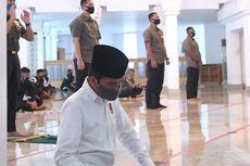 Saat Jokowi Shalat Jumat Berjemaah di Masjid Istana...