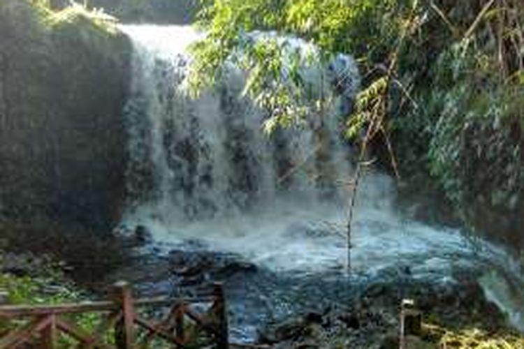 Air Terjun Jantur Mapan di Kutai Barat, Kalimantan Timur.