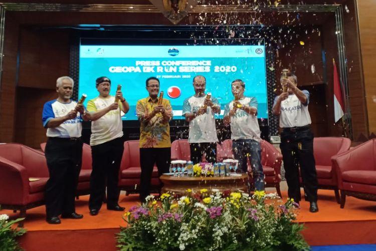 Proses peresmian Geopark Run Series 2020 di Balairung Soesilo Soedarman, Kementerian Pariwisata dan Ekonomi Kreatif, Kamis (27/2/2020).