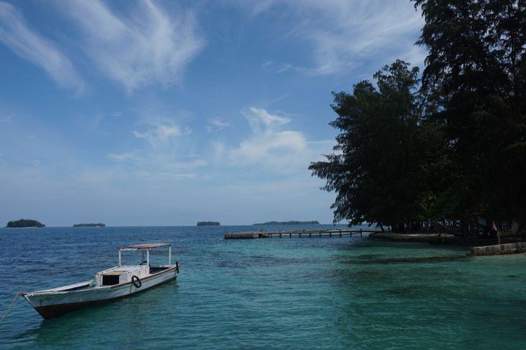 Pulau Harapan di pulau Kelapa, Kepulauan Seribu.