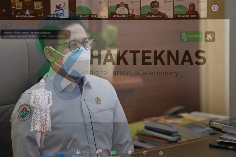 Menteri Desa, Pembangunan Daerah Tertinggal, dan Transmigrasi (Menteri Desa PDTT) Abdul Halim Iskandar (Gus Menteri) terlihat mengikuti peringatan Hari Kebangkitan Teknologi Nasional (Hakteknas) ke-26 secara virtual di Jakarta, Selasa (10/8/2021).