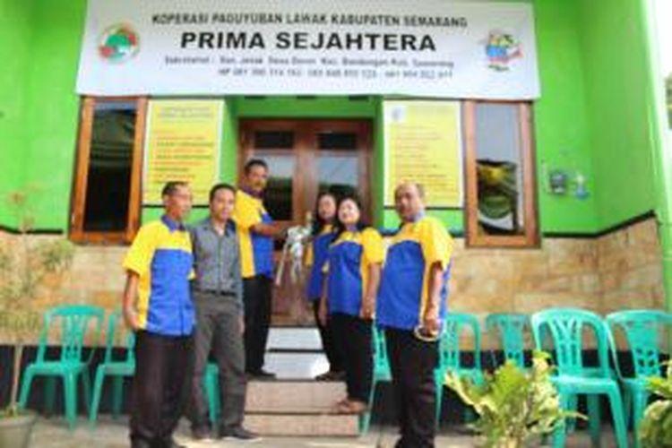 Paguyuban Lawak Kabupaten Semarang mendirikan Koperasi PLKS Prima Sejahtera di Bandungan, Kabupaten Semarang, Selasa (23/12/2014)