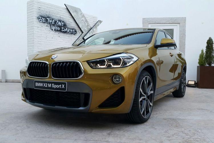 Tampilan BMW X2 M Sport berwarna galvanic gold yang memukau