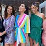 Model Seksi Olivia Culpo Bergaya dengan Dress Pelangi Harga Rp 9 Juta