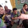 Cerita Lebaran Raffi Ahmad, Shalat Id di Rumah, Sungkeman hingga Bagi-bagi THR