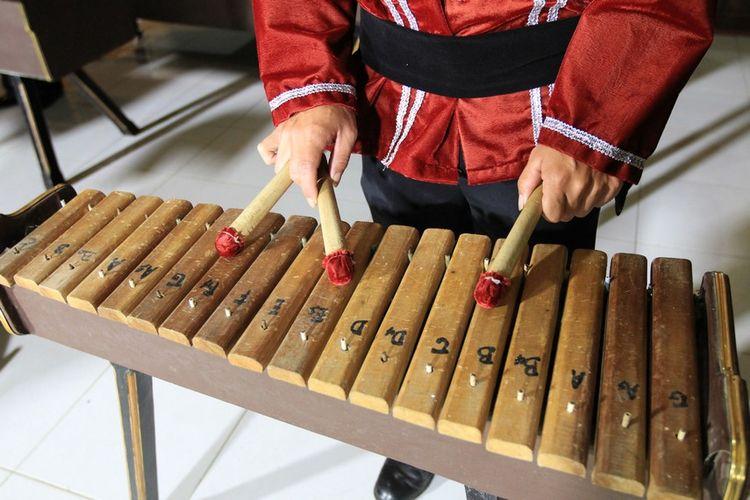 Alat musik Kolintang Sulawesi Utara