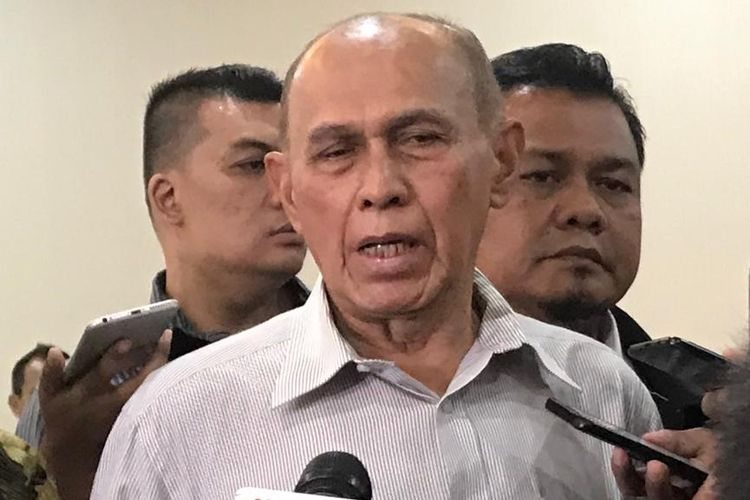 Mantan Kepala Staf Komando Cadangan Strategis Angkatan Darat Mayjen TNI (Purn) Kivlan Zen menyambangi Gedung Bareskrim Mabes Polri, Jakarta Selatan, Rabu (29/5/2019).
