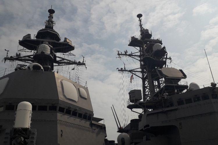Kapal JS Suzutsuki bersebelahan dengan Kapal JS Inazuma di Pelabuhan Tanjung Priok, Kamis (20/9/2018).
