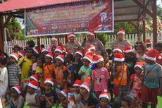 Kado Natal dari Polisi untuk Anak-anak di Distrik Kwamki Narama, Papua