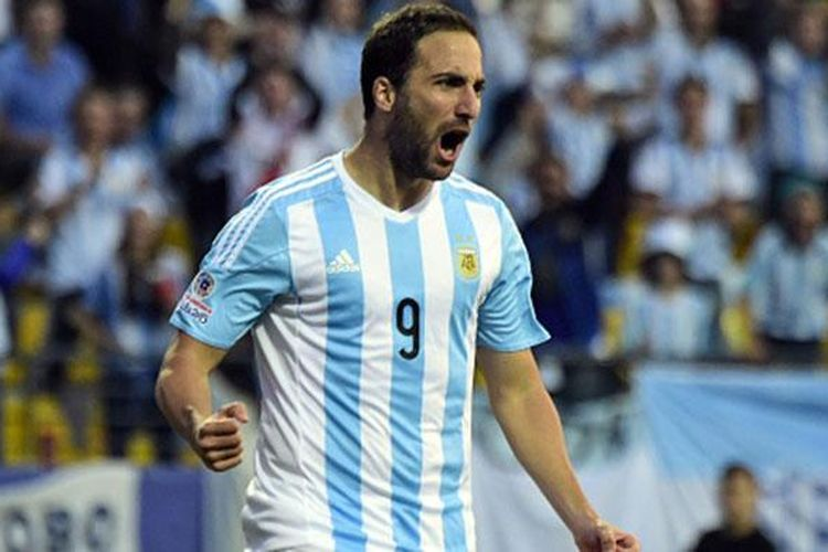 Gonzalo Higuain mencetak gol tunggal kemenangan Argentina atas Jamaika, Sabtu (20/6/2015).