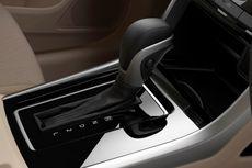 Pakai Mobil Matik, Jangan Malas Pindahkan Tuas Transmisi