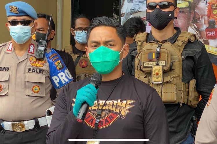 Kasatreskrim Jakarta Barat Kompol Teuku Arsya Khaddafi saat melakukan konferensi pers di Polres Jakarta Barat, pada Kamis (19/11/2020).