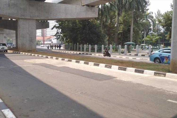Jalan Mahakam, Kebayoran Baru, Jakarta Selatan yang sebelumna sempat berlubang kini sudah di perbaiki, Kamis (4/7/2019)