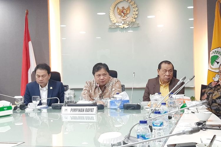 Menteri Koordinator Perekonomian Airlangga Hartarto di DPR, Senayan, Jakarta, Rabu (26/2/2020).