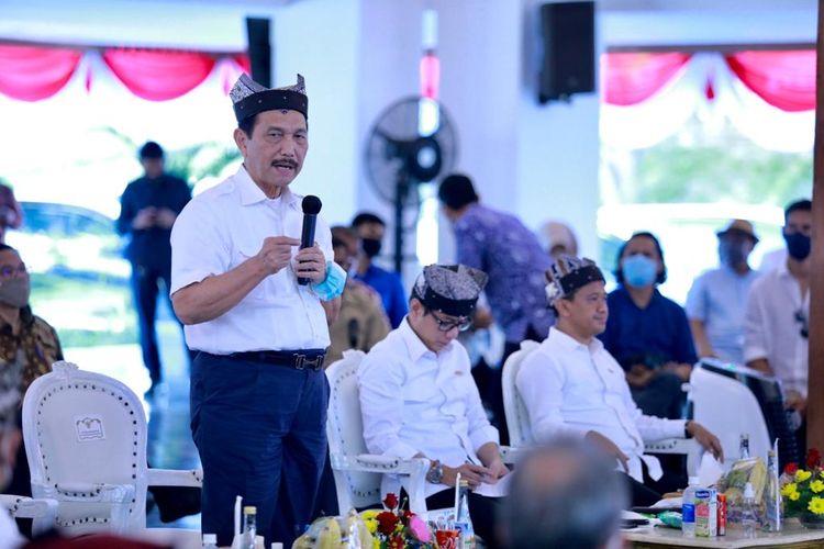 Menteri Koordinator Bidang Kemaritiman dan Investasi Luhut Binsar Pandjaitan melakukan kunjungan kerja ke Banyuwangi, Jawa Timur, Kamis (30/7/2020).