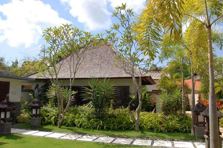 Taman bergaya Bali karya Agung Budi Raharsa