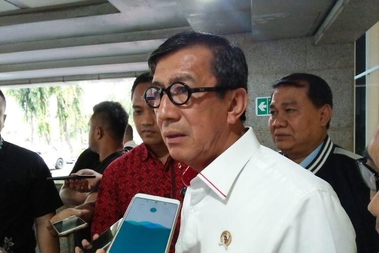 Menteri Hukum dan HAM Yasonna Laoly di Kompleks Parlemen, Senayan, Jakarta, Senin (17/6/2019)