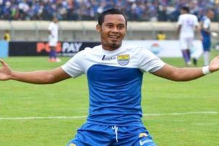 Gelandang Persib Bandung, Atep.