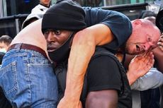 Digendong Pria Kulit Hitam Saat Demo Black Lives Matter, Ternyata Pria Kulit Putih Ini Mantan Polisi