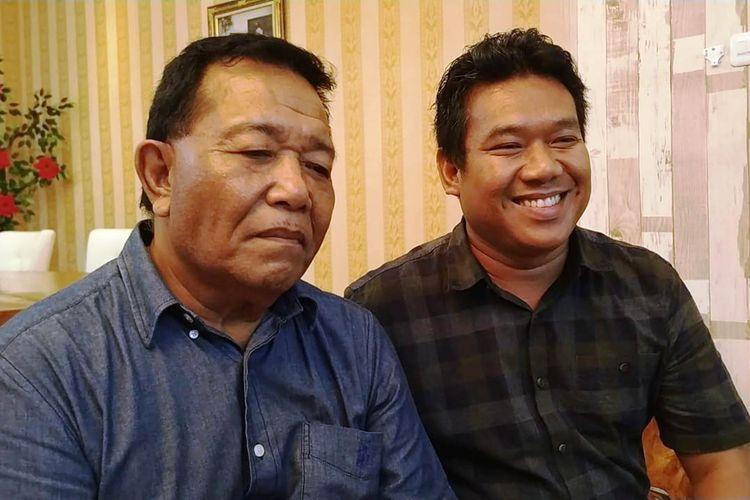 Bupati Madina Dahlan Hasan Nasution (kiri) bersama Juru Bicara TKD Sumut Sutrisno Pangaribuan di rumah dinas bupati, Senin (22/4/2019)