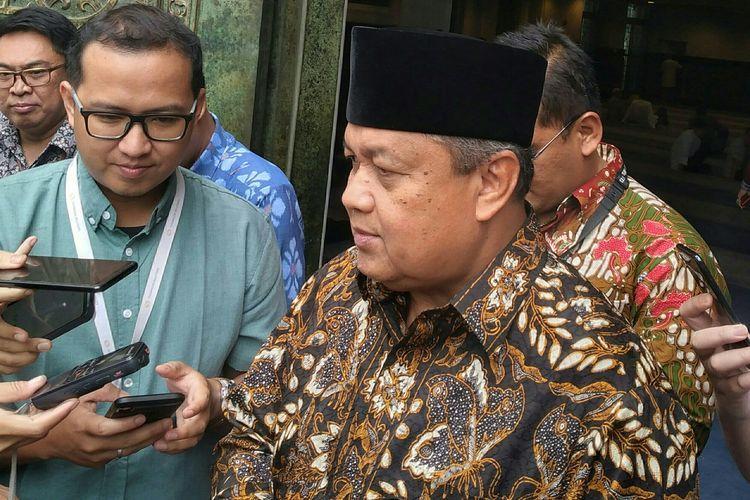 Gubernur BI, Perry Warjiyo menjelaskan kepada media terkait perkembangan moneter, di Kompleks BI, Jakarta, Jumat (3/1/2020).