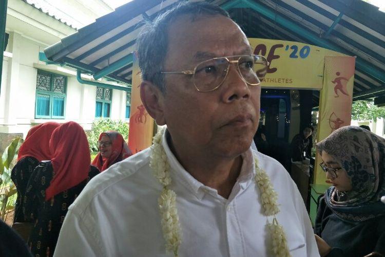 Wakil Wali Kota Tangerang Selatan Benyamin Davnie mememastikan nasib para pegawai honorer di Tangerang Selatan tetap aman meski telah adanya penetapan penghapusan oleh Pemerintah dan DPR, Senin (20/1/2020).