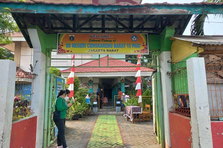 SDN Cengkareng Barat 15 Pagi, Cengkareng, Jakarta Barat, salah satu sekolah yang melaksanakan PTM, pada Senin (30/8/2021).