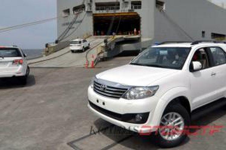 Ekspor Toyota Fortuner dari Indonesia