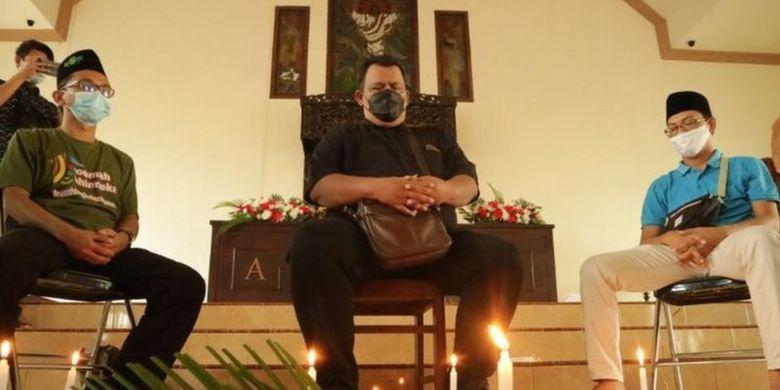 Doa bersama lintas agama di Gereja Kristen Jawi Wetan (GKJW) (29/03) Kabupaten Jombang, Jawa Timur, diharapkan akan menguatkan para korban.